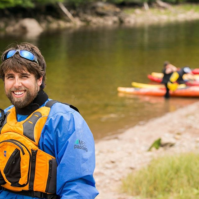 """Eric Sohi from Red Rock Adventures. This photo was captured during a video shoot for """"NB PLAYS!Outside"""" with youth from the Kingsclear First Nation at the mouth of the Big Salmon River in St.Martins, New Brunswick. Watch the video at https://youtu.be/oexfK69ShLY #newbrunswick #explorenb #explorecanada #canadatourism #themaritimes #atlanticcanada #stmartinsnb @eric_sohi @redrockadventure #kayakingadventures #oceankayaking @nbplays"""