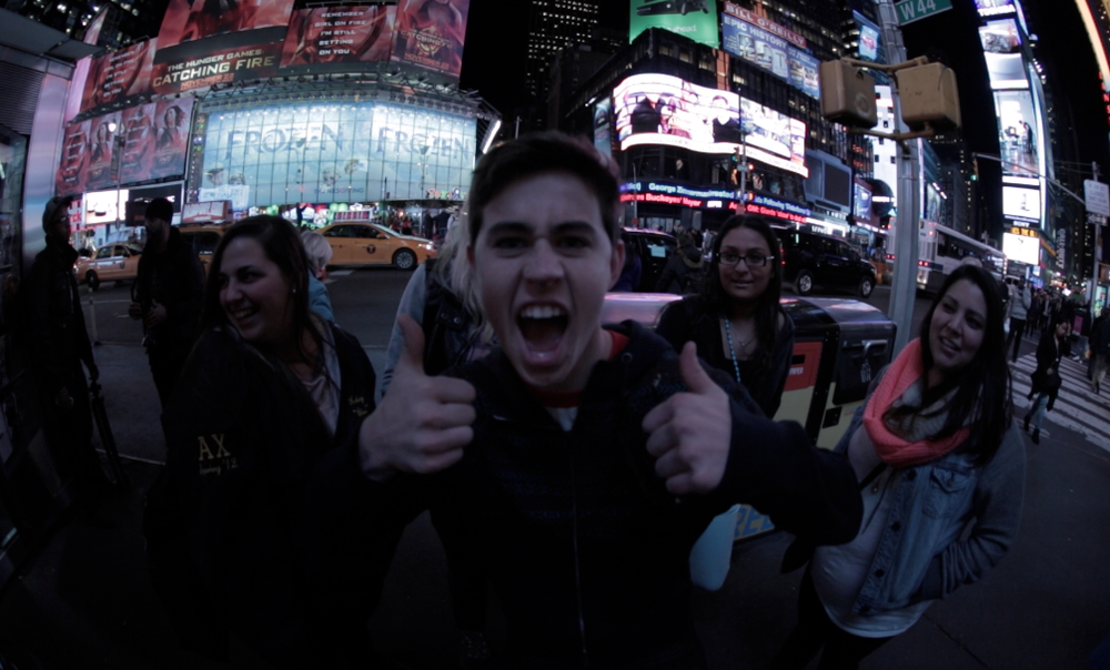nash_solo_thumbs up_times square_USE.png