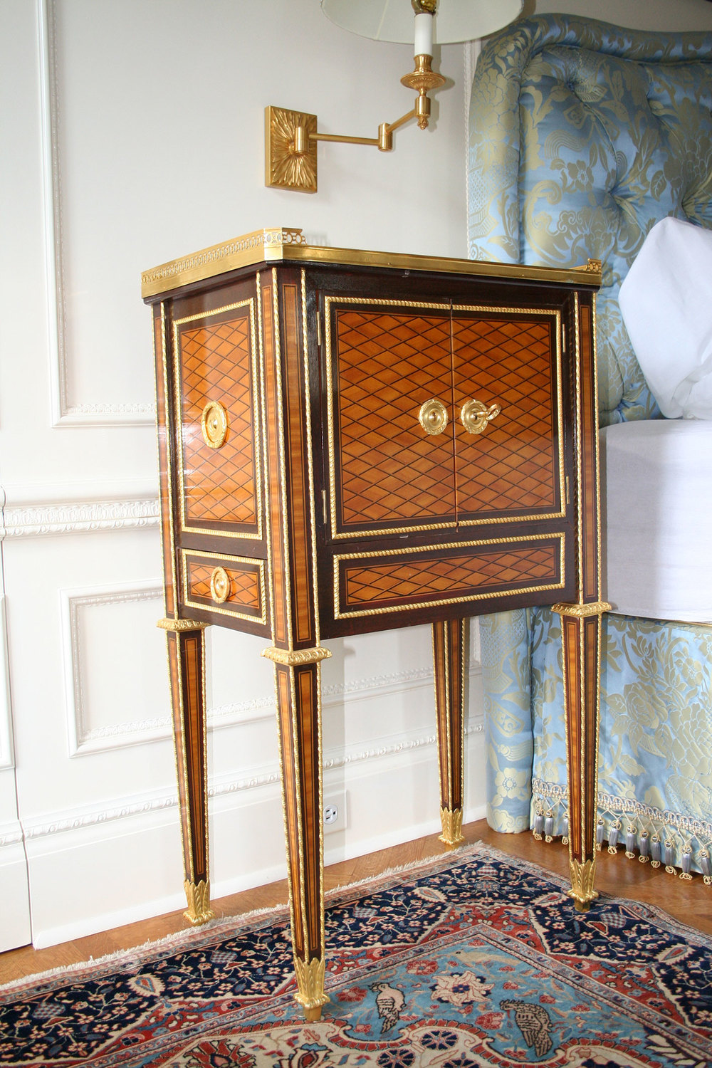 9-Marie-Antionette-side-table2.jpg