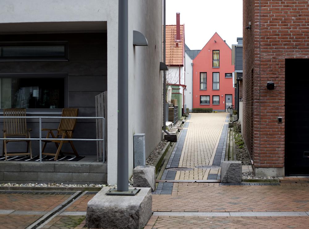 Take a tour of Västra Hamnen, an environmentally friendly neighborhood in Malmö, Sweden