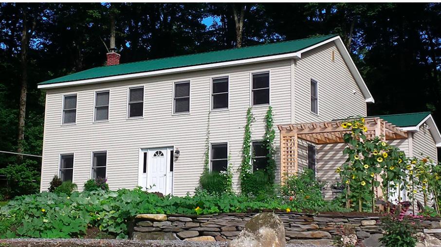 Andersonville Guesthouse - Location: AndersonvilleDistance: 6.2 miles3 guest roomsPrice: $65-75/night, includes breakfastSite: website
