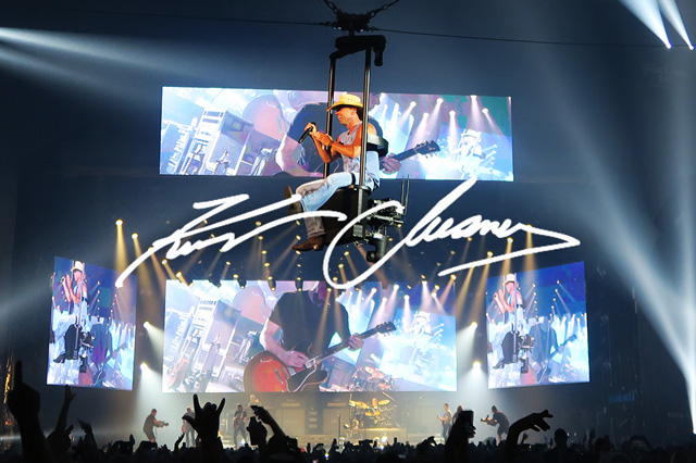 Kenny Chesney: Setting the scene for a nine time entertainer of the year.