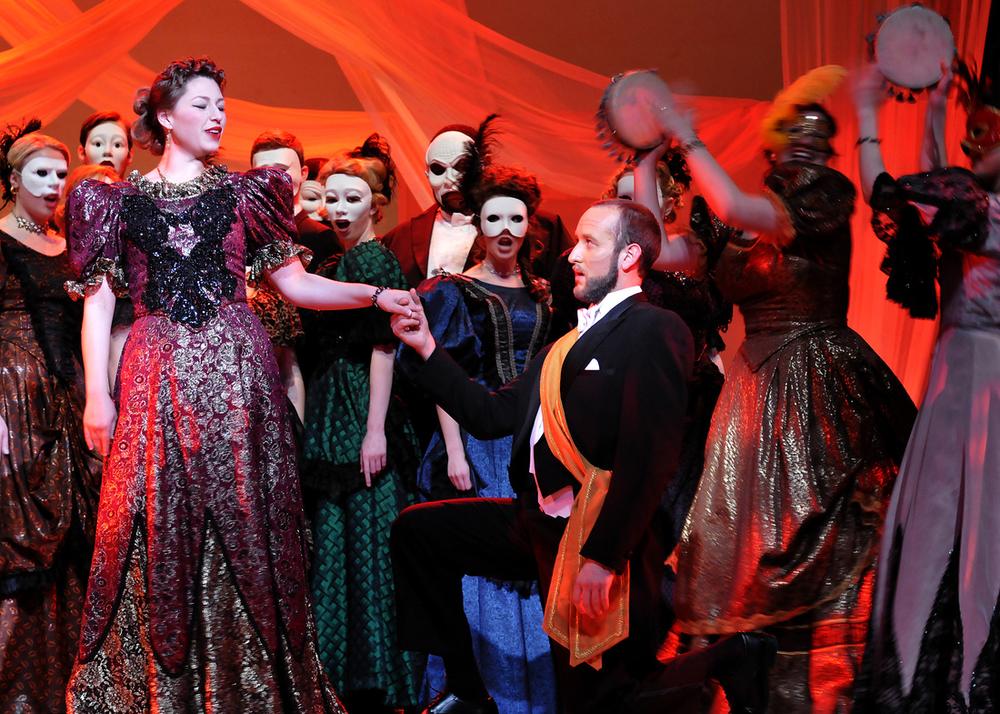 Flora Traviata.jpg