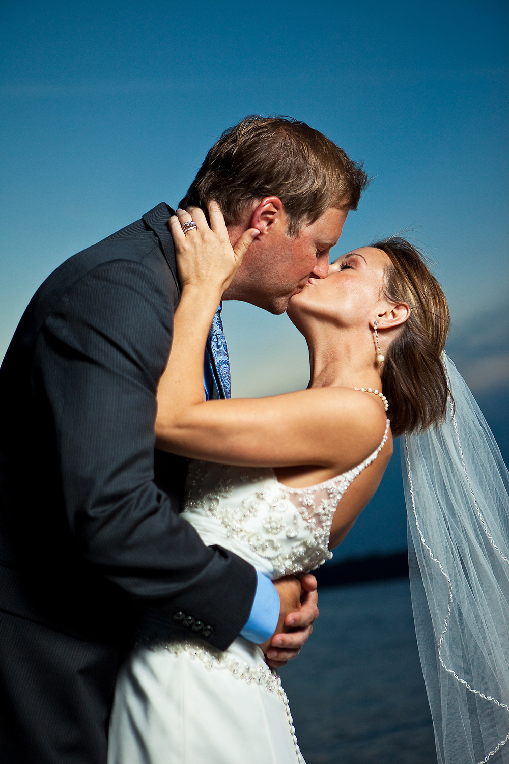 adam-szarmack-weddings-bride-groom-dock-kiss-dip.jpg