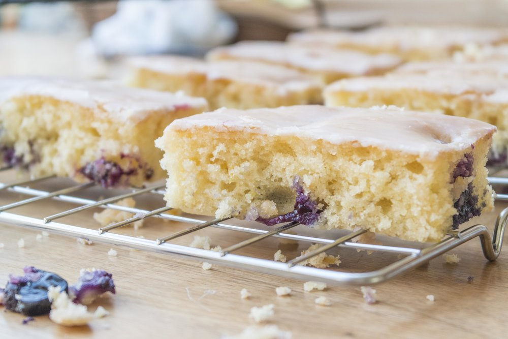 lemon & blueberry sponge