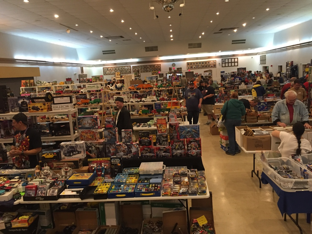 Tons of vendors with excellent merchandise from my youth!