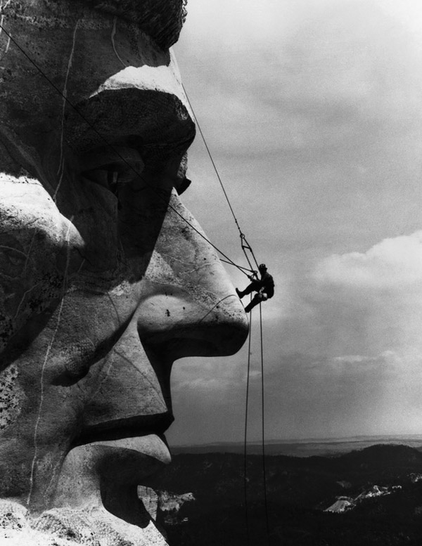 Maintenance on Mount Rushmore