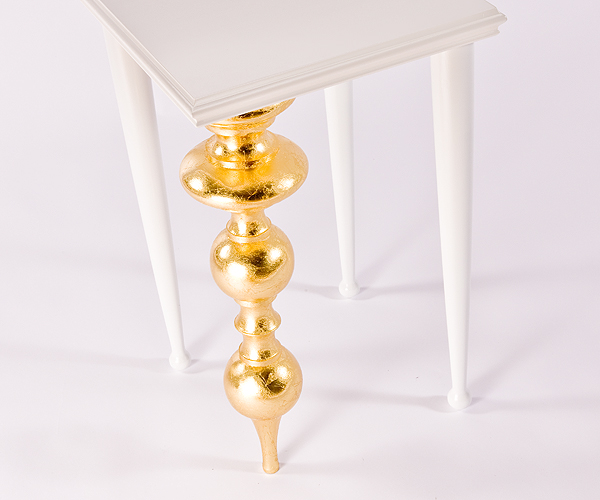 From OK Works, a dramatic table group with golden features.     www.okworks.com
