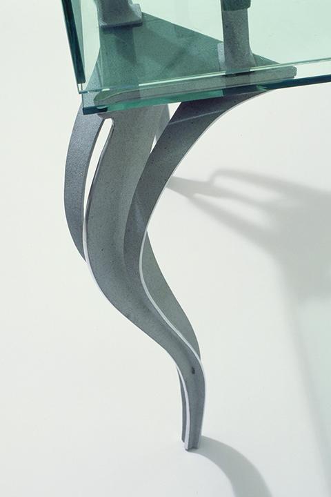 Ribbon Leg