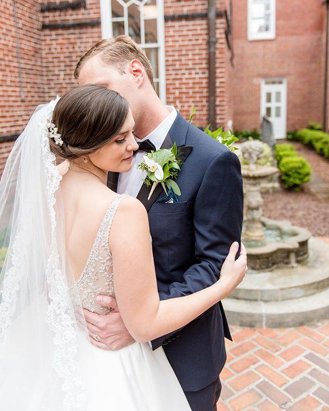 #wedding #engagement #engagementphotography #gainesvillephotographer #jacksonvillephotographer #weddingphotography #engaged #wedding #theknotflorida #greenweddingshoes #stylemepretty #destinationwedding #junebugweddings