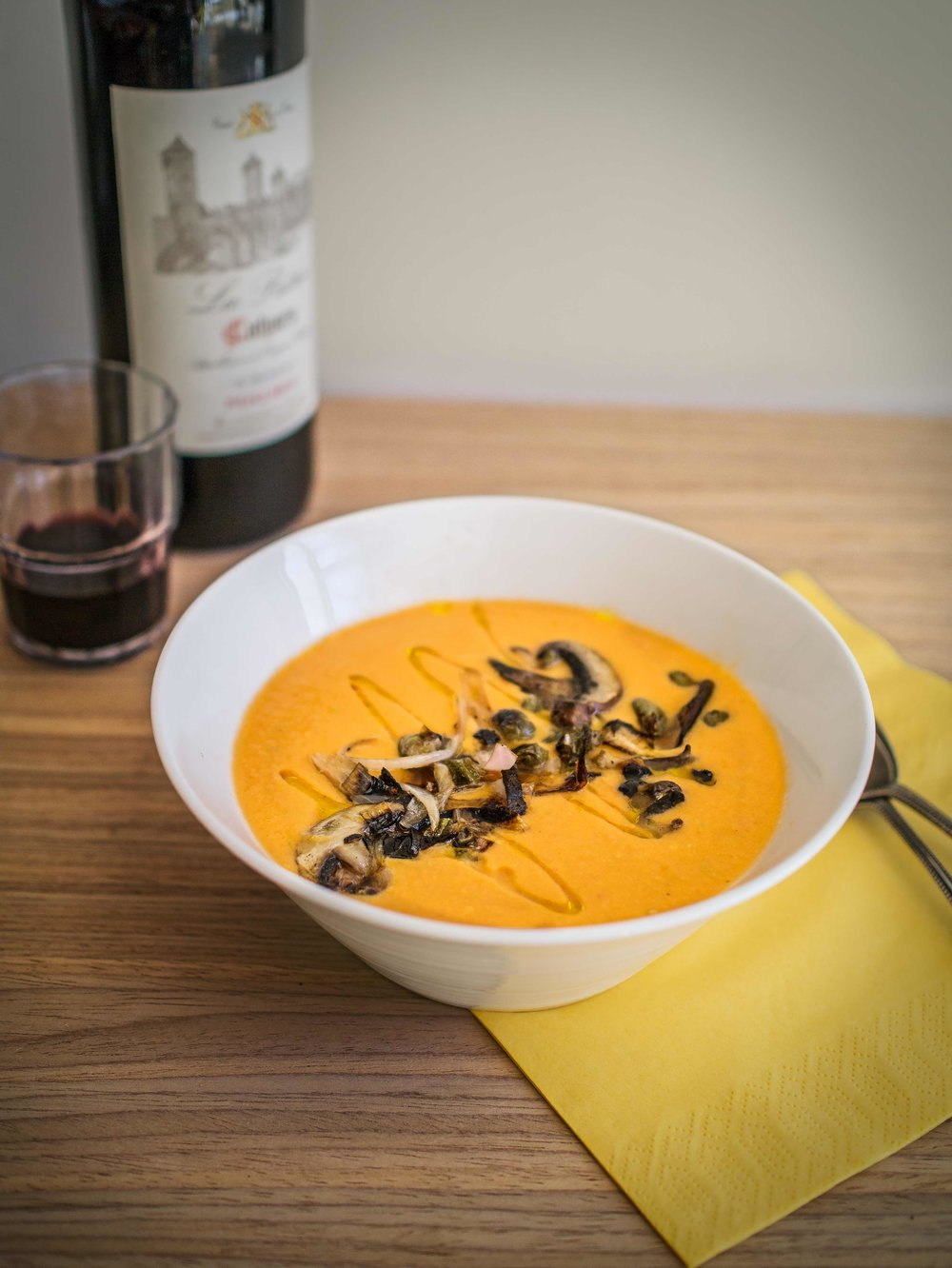 Salmorejo | Chilled tomato soup | DiscoverDelicious.org | Vegan Food Blog