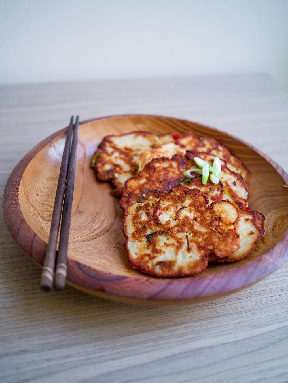 Vegan Bindaetteok | Korean Mung Bean Pancakes | www.discoverdelicious.org