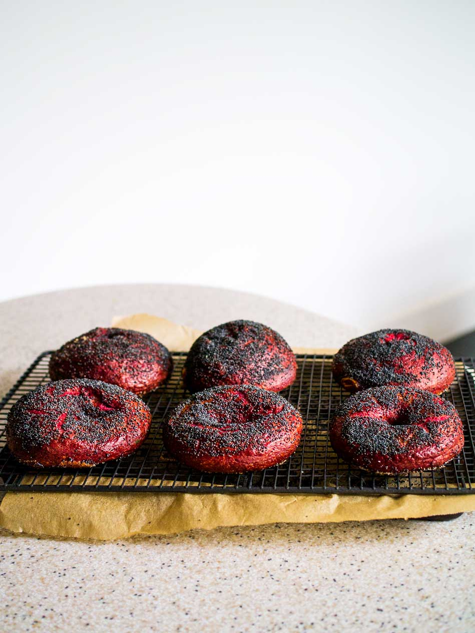 Beetroot Bagels | Discover Delicious | www.discoverdelicious.org | Vegan Food Blog