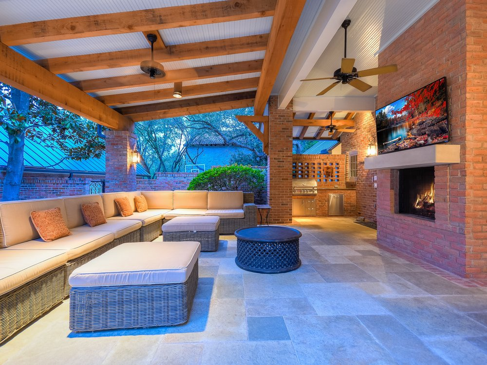 035_Outdoor Living-Grill.jpg