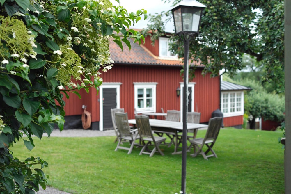 Red house in Sweden.jpg