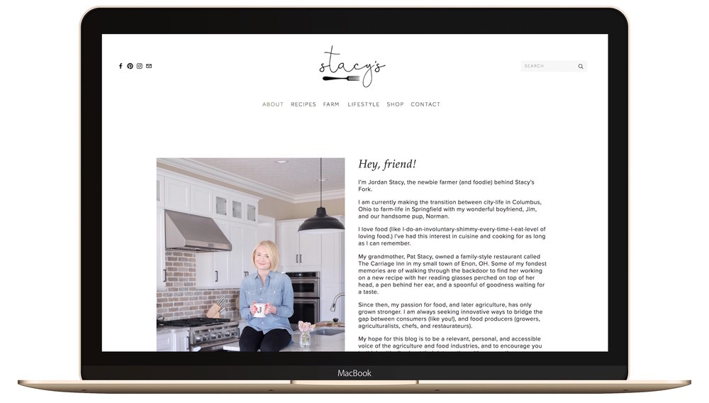 About page of a black and white feminine Squarespace example website.jpg