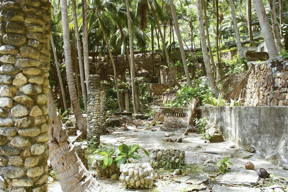 Thai Ruins Phuket.jpg