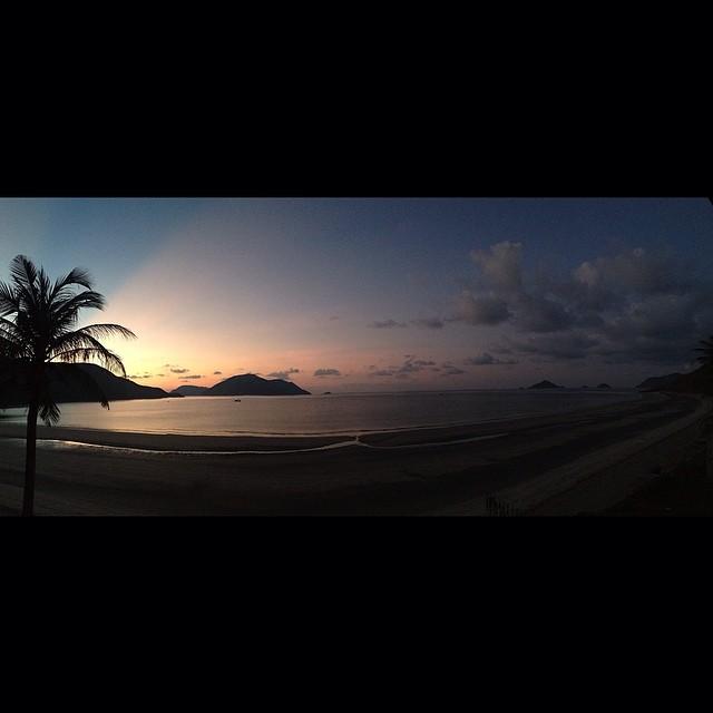 nothing like a goodbye sunrise…bye bye, con dao, here we come railay beach.   - jonathan