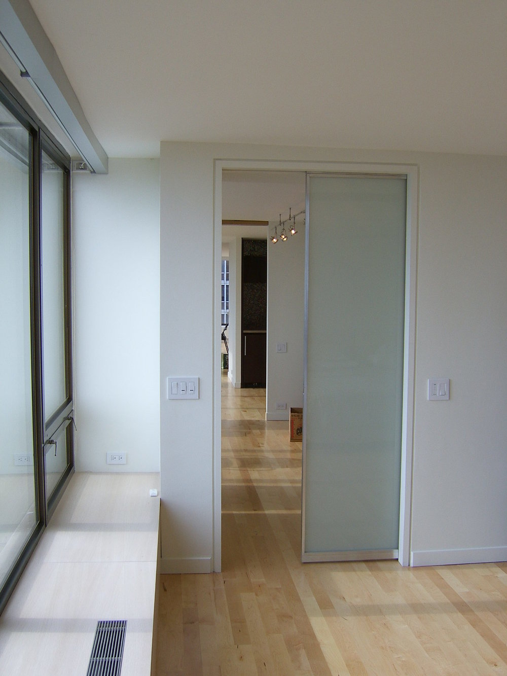 Lake_Shore_Drive_Residence_Interior_Pocket_Door.JPG
