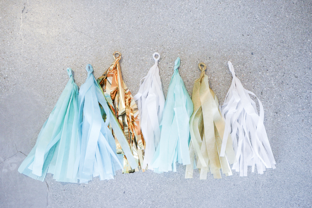 DIY_Tissue_Garland_007.jpg