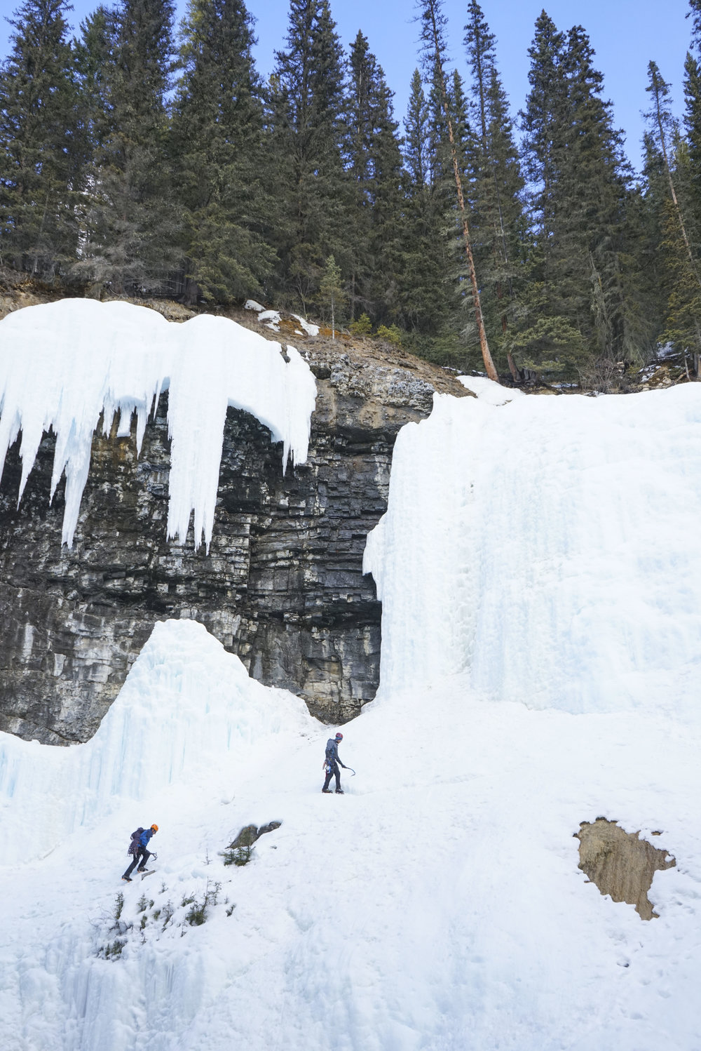 Johnston Canyon Icewalk with Discover Banff Tours