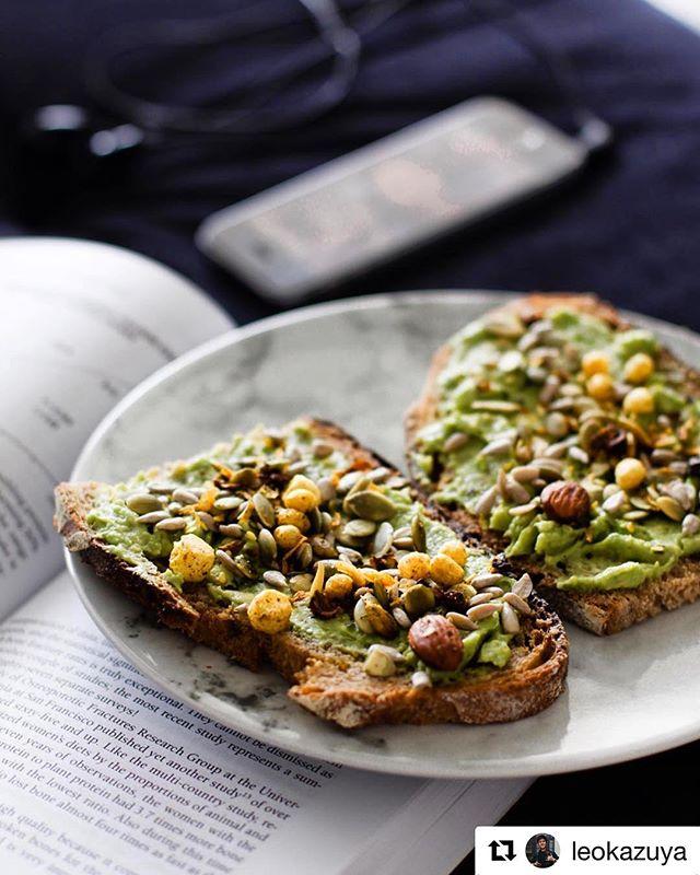 Avocado Toast com Quinolla Salgada pra começar o dia, né @leokazuya ? #Quinolla #AvocadoToast