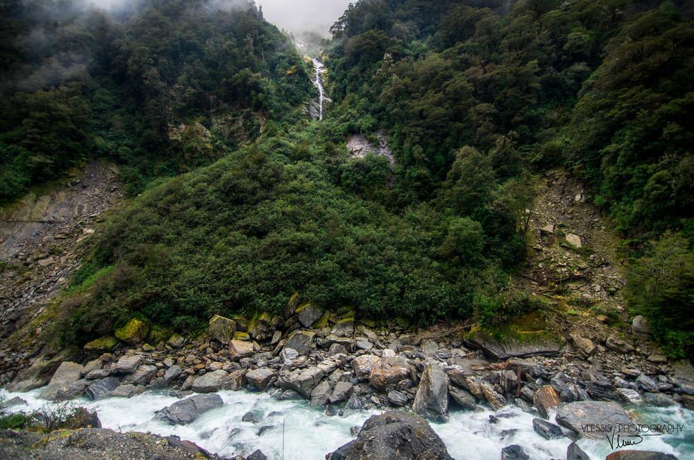 NZwaterfall (1 of 1)-2.jpg