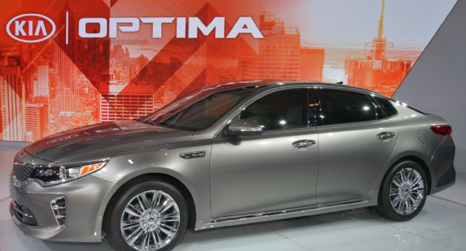 2016-kia-optima-front-three-quarter.jpg