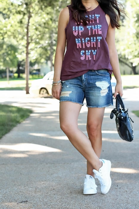 Jean Shorts, Tank Top, Sneakers, Outfit