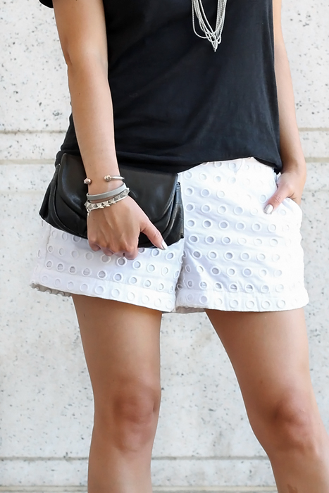 white summer shorts outfit