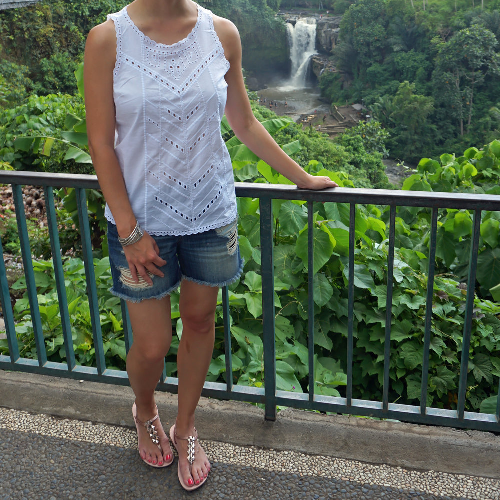 Gap Eyelet Top / Joe Jeans Shorts / Impanema Sandals / Camo Backpack