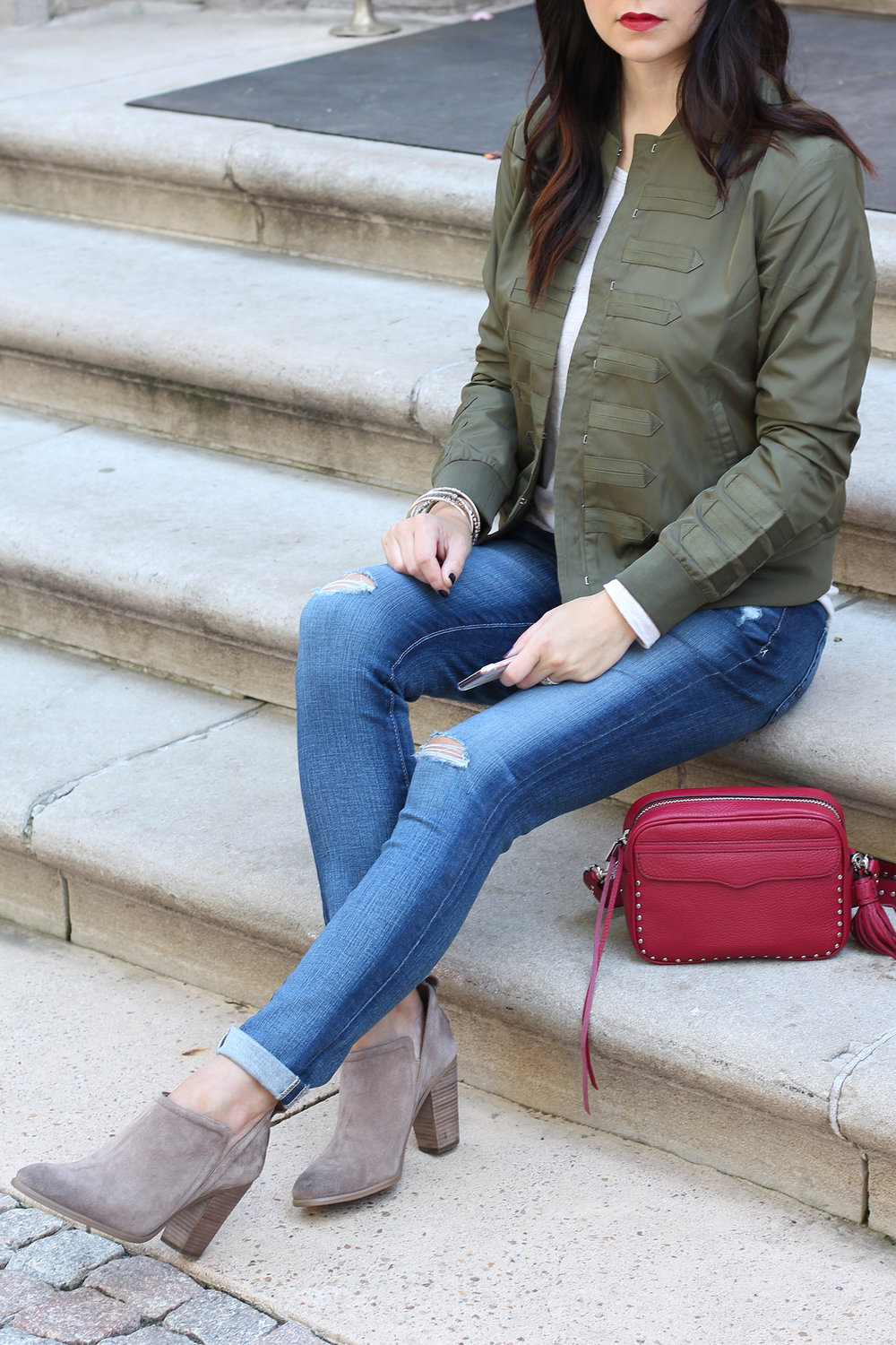 Distressed Jeans Outfit