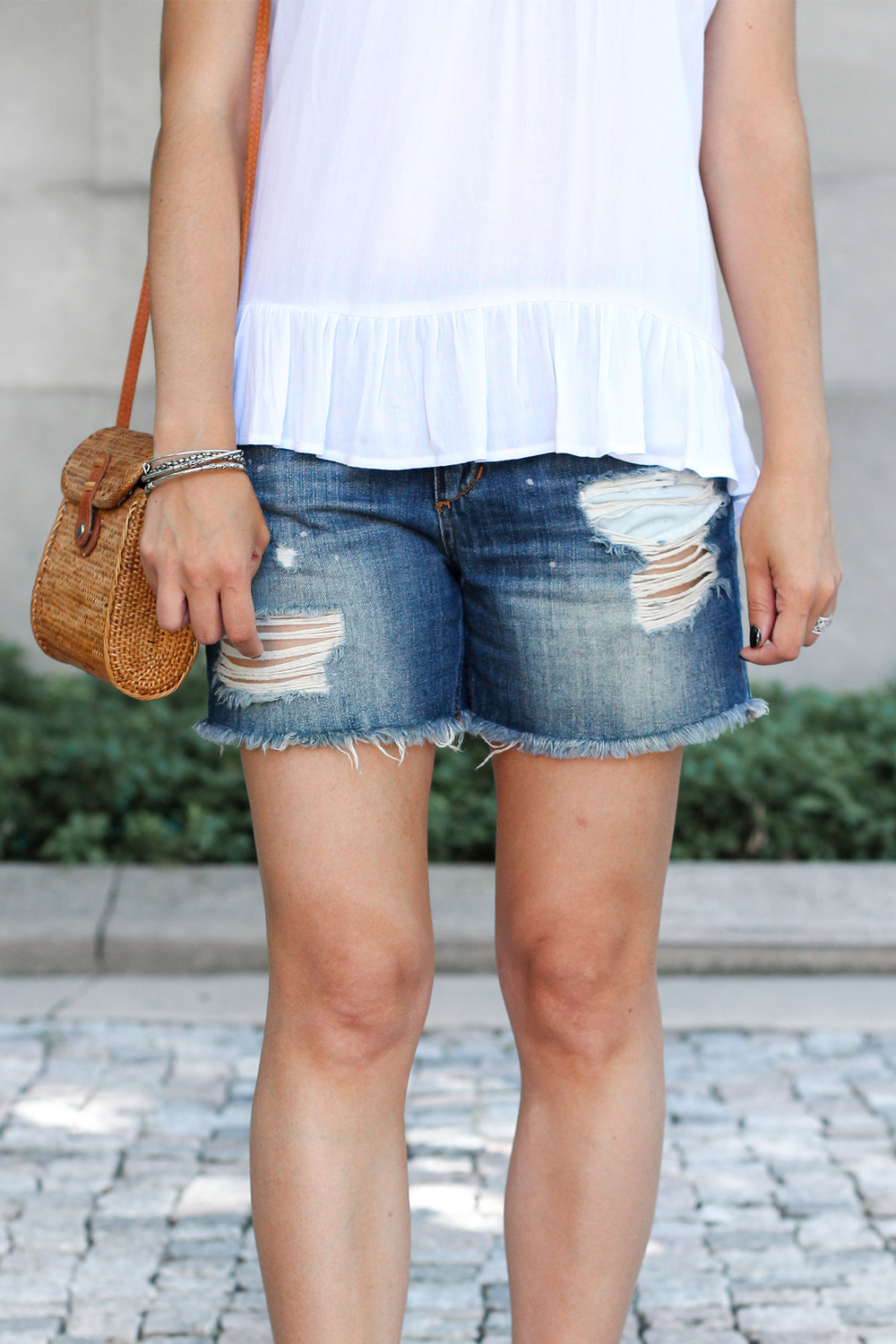 How To Style Cut-Off Shorts