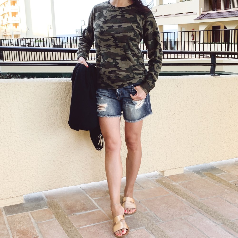 Camo Sweatshirt, What to Wear on a Beach Summer Vacation