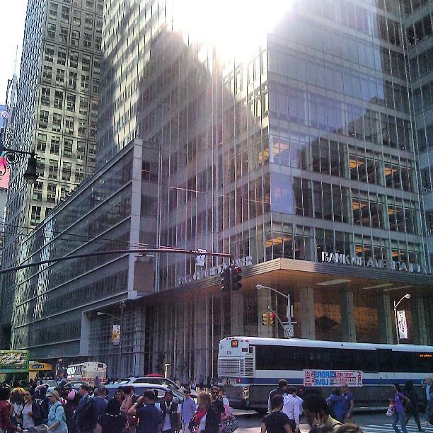 In Newww Yorkkk! #nyc #newyorkcity #bryantpark #bankofamericatower #avenueoftheamericas