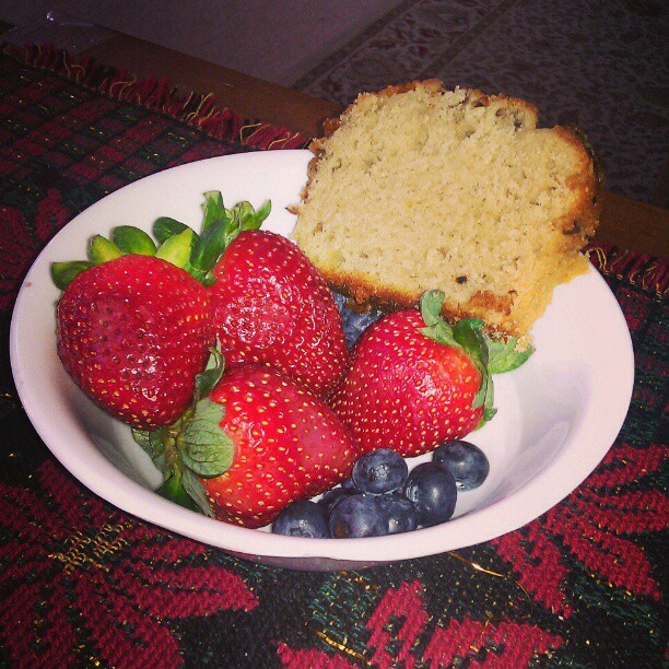 A #snack with my #tea   #red #strawberries #blue #blueberries #teacake