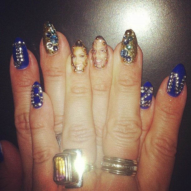 An up close of Bey's nails. N e one notice?
