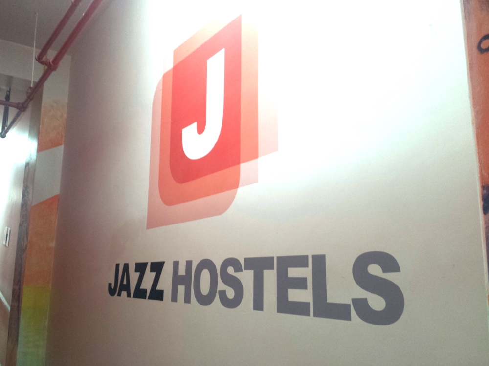 Jazz Hostel hallway image | Jazz on the Park | New York City | Source: ©Nayyar Photography