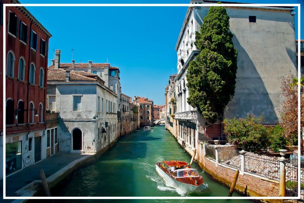 Venice, Italy by  Trish Hartmann | Zaakirah Nayyar | Romantic Vacations