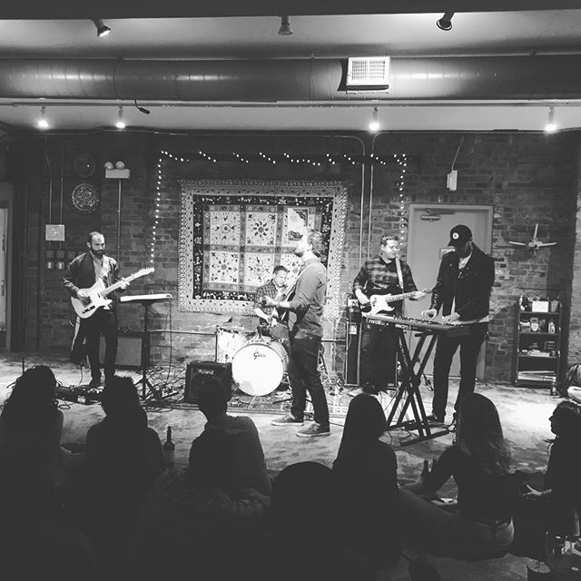 Thanks so much @sofarchicago @sofarsounds and @catalystranchchicago for having us last night. It's been a dream of ours to play a #sofar show and were thrilled to share to the stage with @chicagolives and @tired__eyes. #chicago #chicagopulse  #chicagoprimeshots #thechieye #mychicagopix #wu_chicago #yngkillers #thechieye #livemusic #concert #sofarsounds