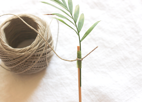 Palm-Frond-Drink-Stirrer-DIY-3.png