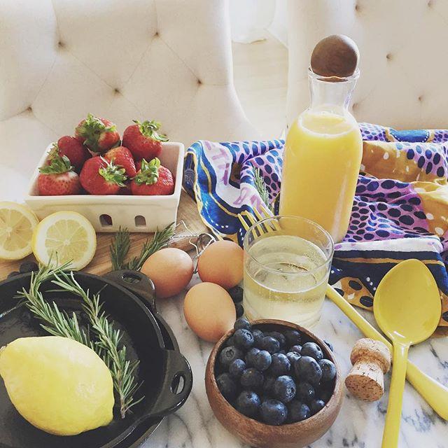 brunch-mimosas-pancakes.jpg