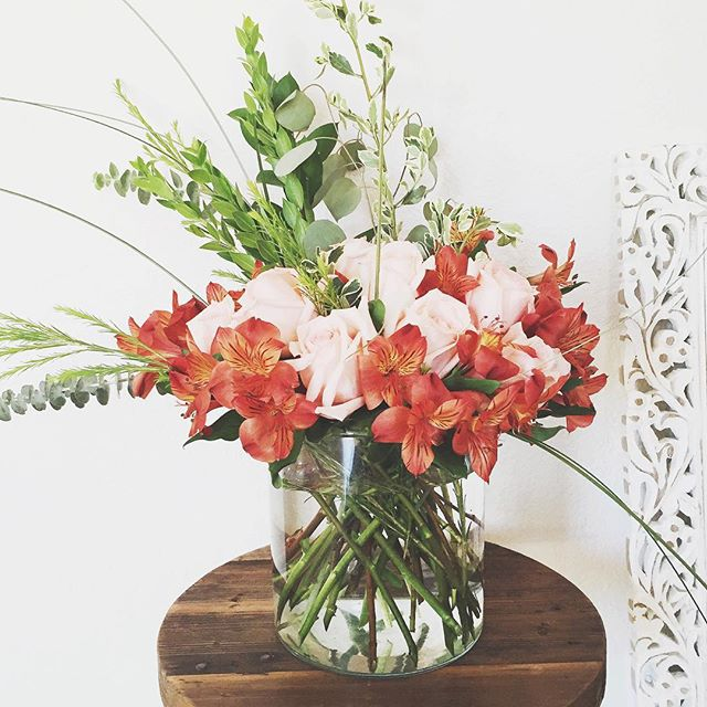pink-orange-flower-arrangement.jpg