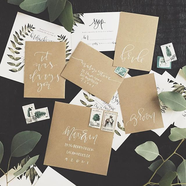 Kraft wedding paper goods | A Fabulous Fete