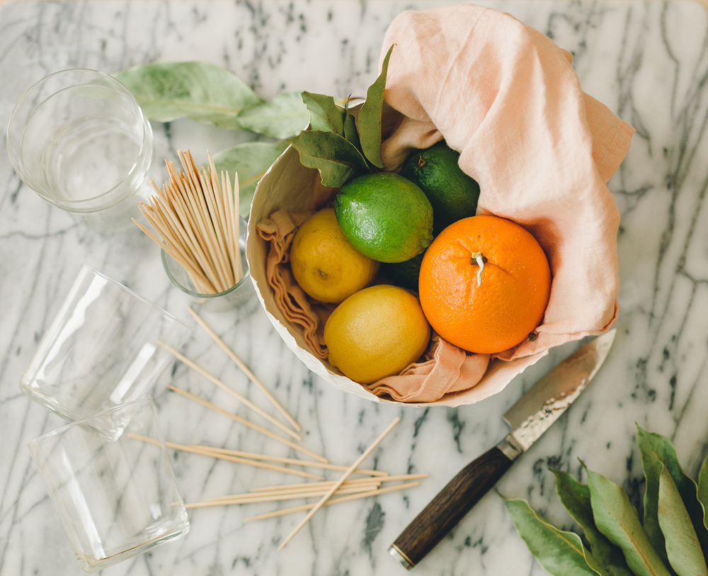 How to make simple citrus cocktail garnish | A Fabulous Fete