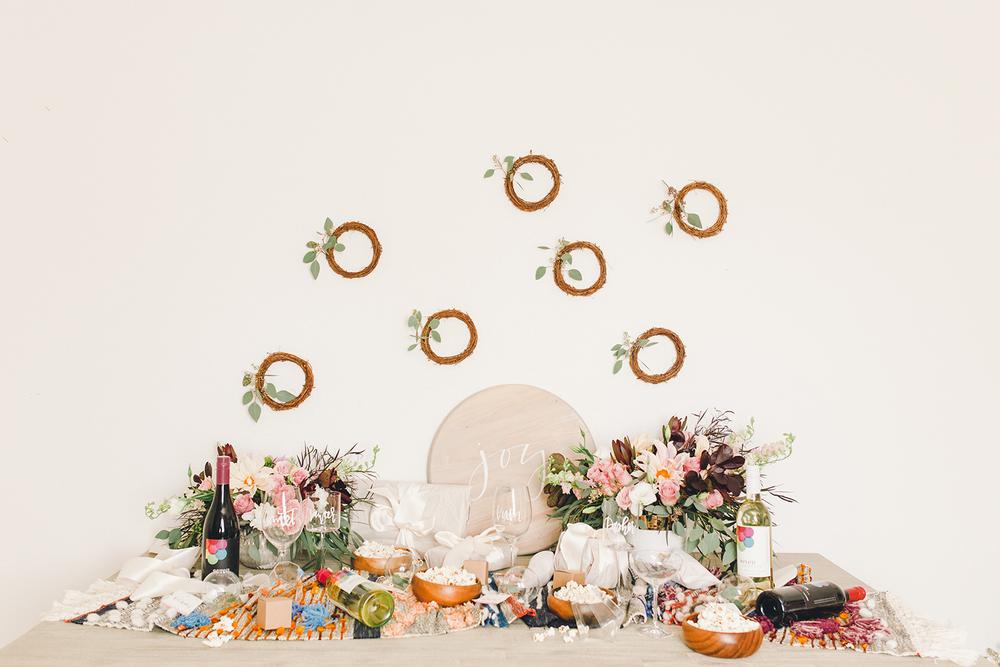 Host a simple white elephant party | A Fabulous Fete