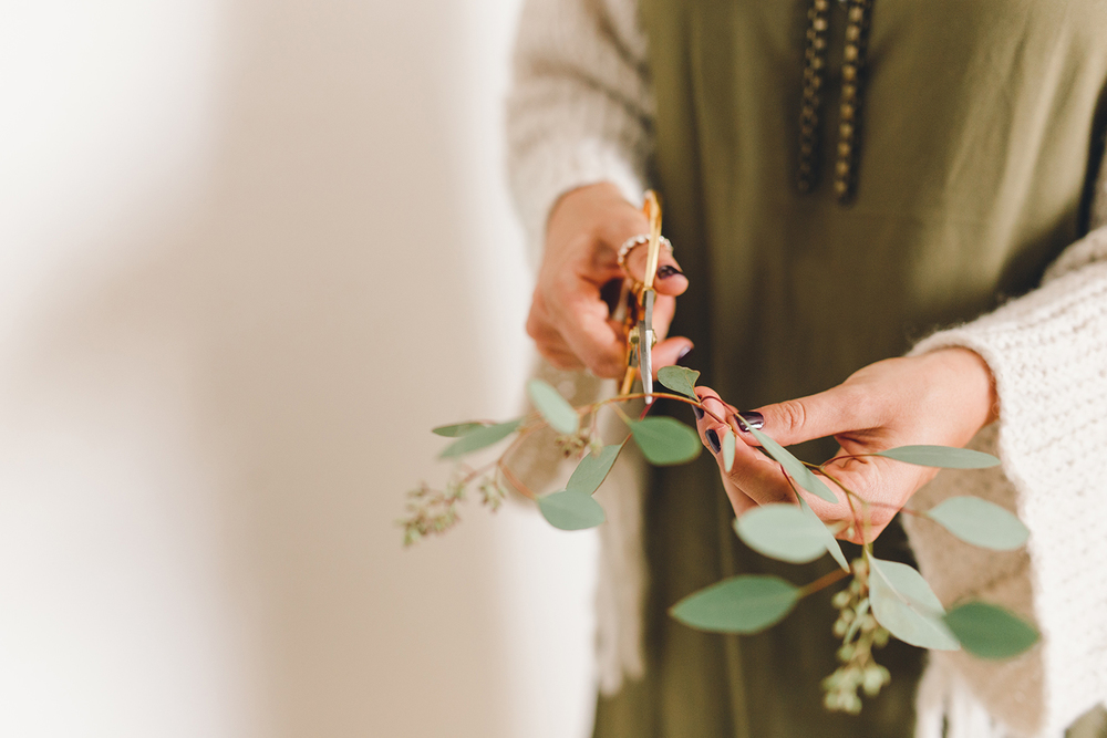 Garnish simple wreaths with fresh eucalyptus | A Fabulous Fete