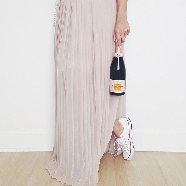 Champagne + converse | A Fabulous Fete