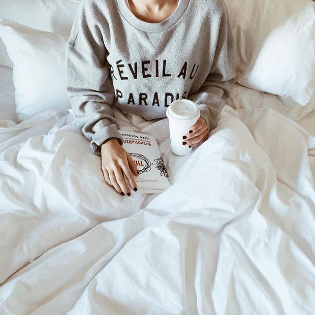 Hotel bedding + lattes | A Fabulous Fete