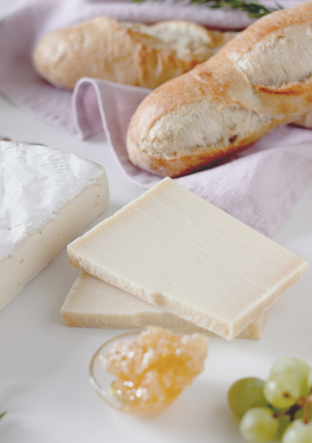 Crisply crust bread, your cheeseplate is incomplete without it | A Fabulous Fete